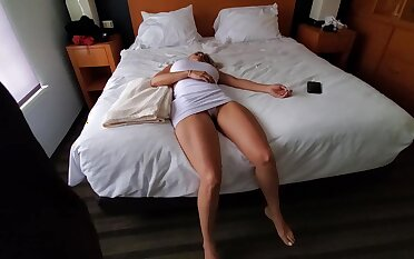 Knocked out blonde with big boobs is in all directions to become a fuck doll for a horny guy