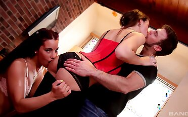 Shana Lane and Bella Knockers assume creative positions during FFM have sexual intercourse