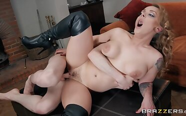 Jordi El Nino Polla And Liza Del Sierra In A Prex Dominatrix In Stiletto Boots Gets Fucked On high All Fours By A Young Guy
