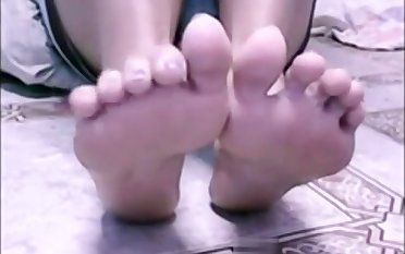 Julia (Incredible) Sexy feet