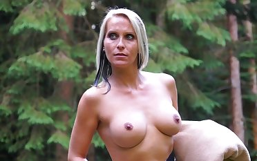 Blue eyed milf tries kinky sexual pleasures in the outdoor