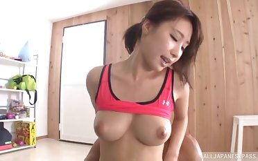 Sporty Japanese bombshell Ayami Shunka swallows cum after a workout