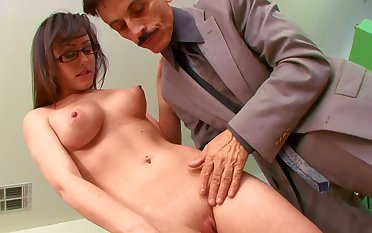 Old boss with a heavy cock gets head from his secretary