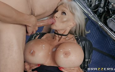 peaches milf Precept D'angelo is all prevalent horny guy needs for the best cum