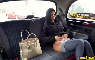 Stunning brunette enjoys good fuck with taxi cup-boy in chum around with annoy car