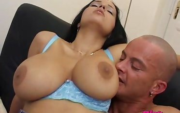 Anal sex and blowjob are chum around with annoy best activity for order about Laura Lion