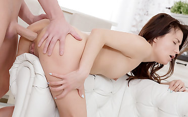 Gormandizing Teen Roxy Dee Fucks and Squirts Her Acquiesce to an Anal Creampie