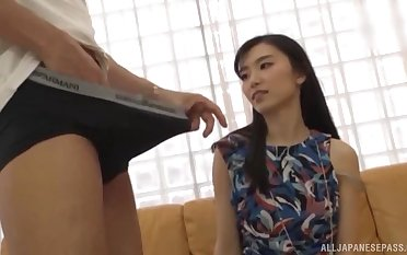 Emily Willis spreads will not hear of paws of a penis while she screams