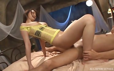 Japanese spreads encircling for the man to fuck her right