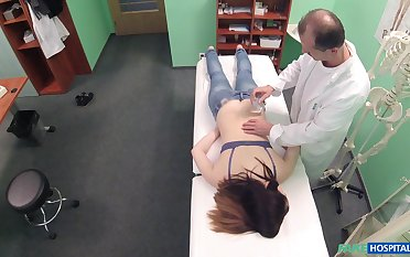 Amateur brunette unsubtle Nana Ainse gets fucked away from her horny Doctor